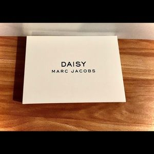 Marc Jacobs Daisy Clutch Wallet